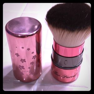Too Faced Kabuki brush!